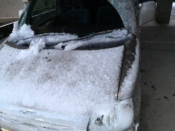積雪 クルマ