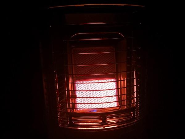 ガス赤外線ストーブ