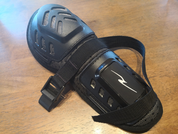 ラフ&ロード 膝プロテクター 修理